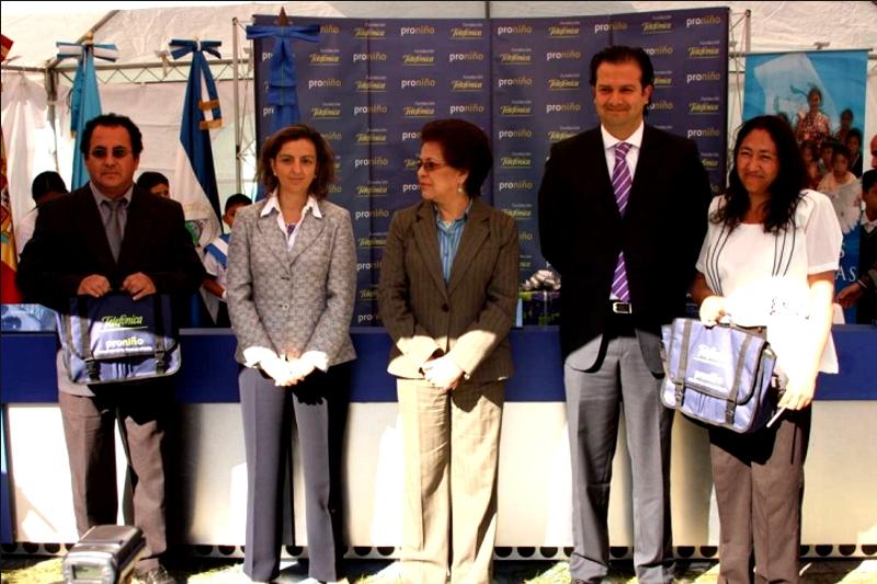 en el acto participaron la Ministra de Educación, Ana Ordóñez de Molina, la Sra. Ministra Consejera de la Embajada de España, Sonia Alvarez Cibanal y el director País de Telefónica Guatemala, Mario Bermúdez