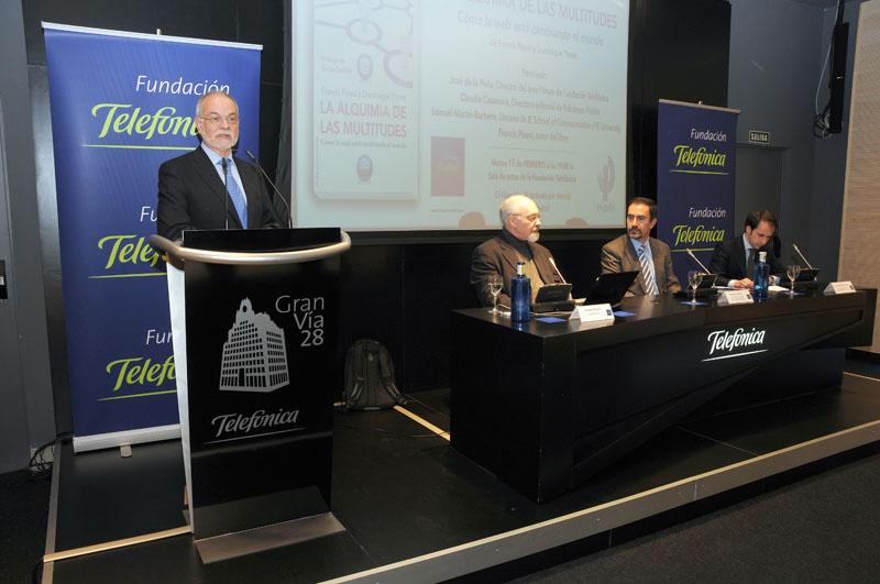 Momento de la intervención de Javier Nadal durante la presentación