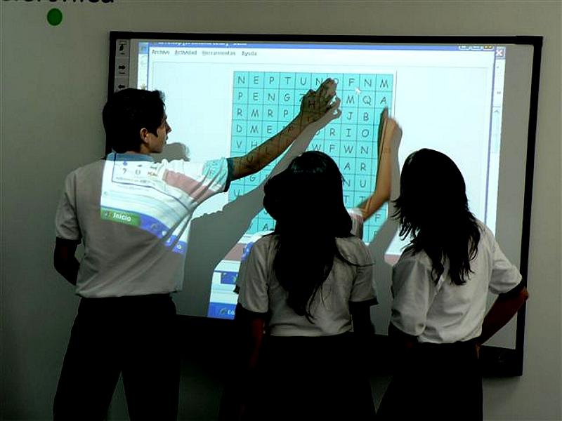 Más de 1.900  niños beneficiarios del programa de erradicación de trabajo infantil  de Fundación Telefónica contarán con moderna aula para mejorar sus procesos educativos.