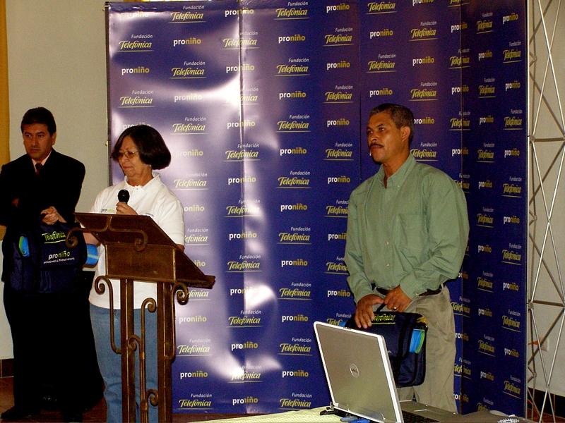 Fundación Telefónica apoya la educación  en Guatemala donando material didactico a 353 docentes de 85 escuelas de todo el país