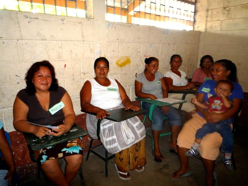 En lo que va del año fundación Telefónica ha reunido a más de 3,000 madres y padres de niños becados de 11 departamentos de Guatemala.