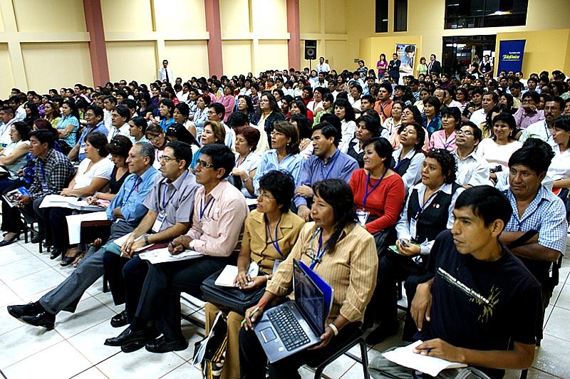 Fundación Telefónica y Ministerio de Educación capacitaron a más de 300 docentes de la ciudad peruana de Tacna