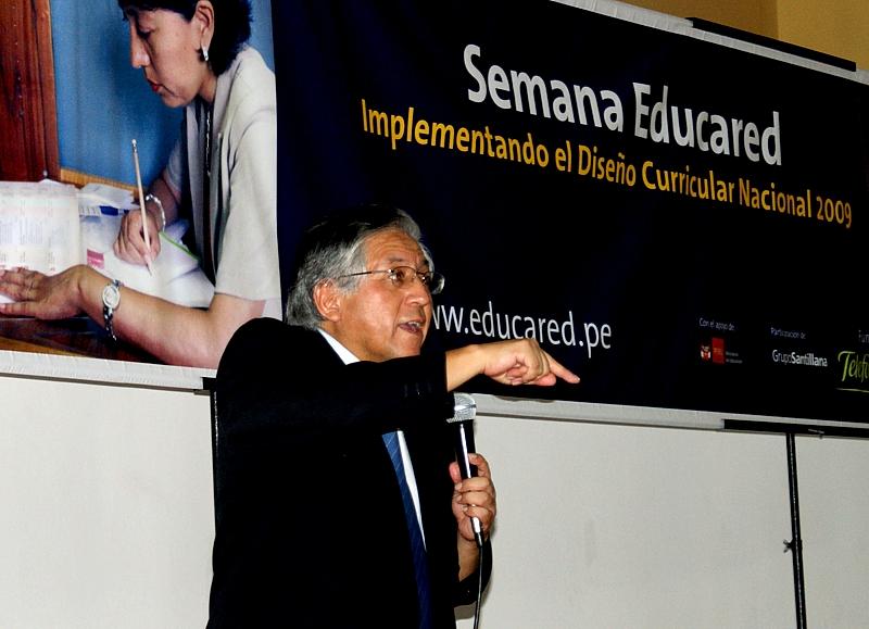 Miguel Ángel Ortiz, expositor del Grupo Santillana