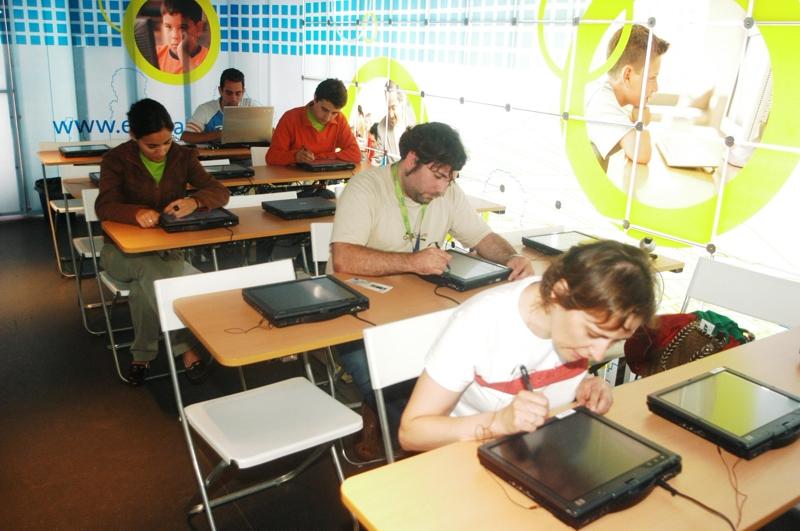 El certamen EducaRed a navegar, de Fundación Telefónica, alcanza su décima edición con importantes novedades
