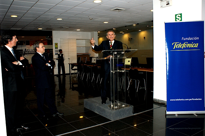 Francisco Serrano, director general de la Fundación Telefónica España, Javier Manzanares, presidente del Grupo Telefónica en el Perú y de su Fundación, Luis Castañeda Lossio, Alcalde de Lima Metropolitana
