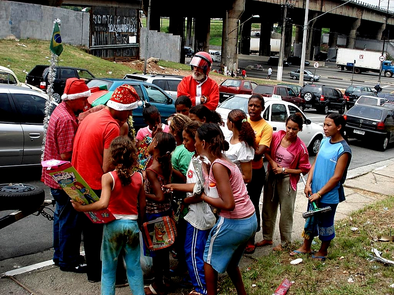 Acción social en las calles de Suzano
