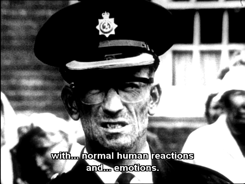 """""""The War Game"""" de Peter Watkins / Año 1965. La película se inicia con una voz en off que simula, en forma de  reportaje televisivo, el inicio de un conflicto entre el mundo occidental y el soviético a partir de la toma del Berlín controlado por los occidentales."""