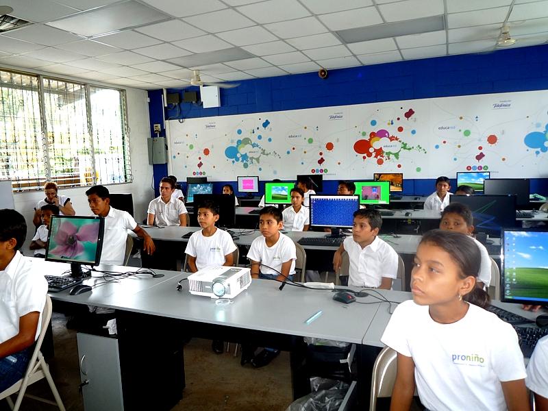 Dos escuelas  del departamento de Escuintla participan en el programa de intercambio cultural de Fundación Telefónica, Escuelas Amigas