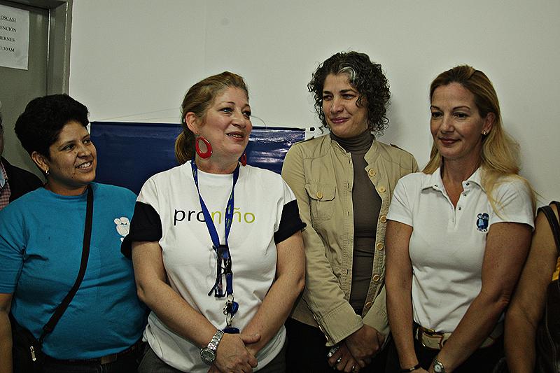 Giovanna Bruni, explicó que el proyecto tiene como objetivo primordial potenciar la equidad y calidad educativa de los centros escolares Proniño, a través del conocimiento y el uso de la Red