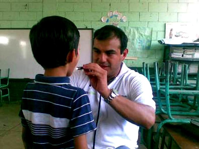 Como parte del apoyo brindado por Proniño durante la ejecución de estas jornadas, está la dotación de antibióticos, medicinas, colirios o anteojos a los niños  que lo requieren
