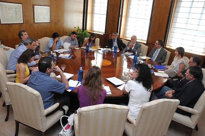 Un momento de la rueda de prensa convocada por el área de Debate y Conocimiento de Fundación Telefónica