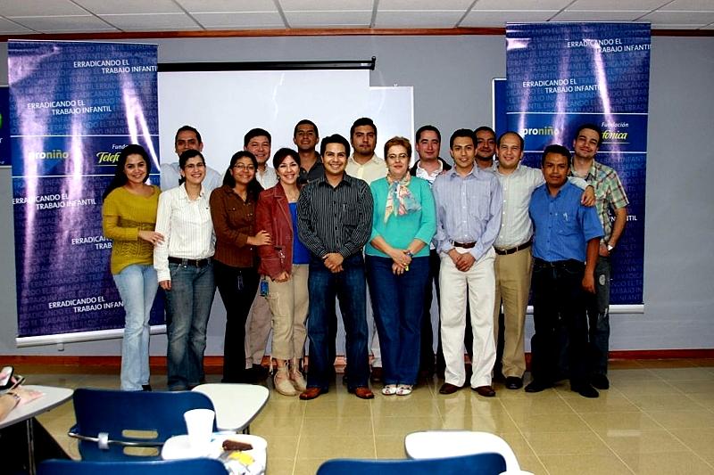Telefónica Guatemala  promueve la participación de sus empleados en el programa proniño