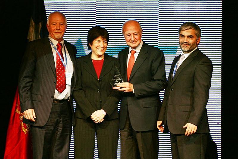 La Asociación Chilena de Empresas de Tecnologías de Información, hizo entrega de los Premios ACTI 2008, que reconocen la labor de personas y diversas instituciones que fomentan el uso de la Tecnología de la Información.