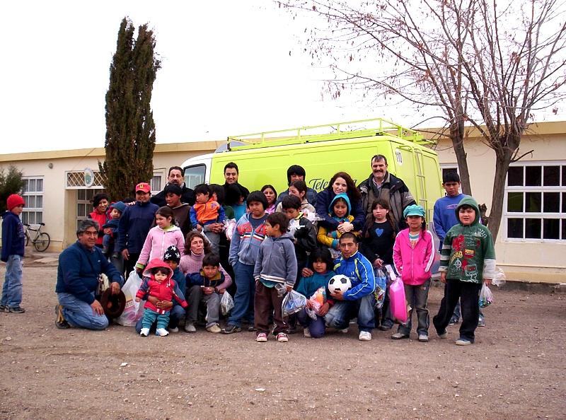 Voluntarios Telefónica entregó más de 2.500 juguetes y útiles escolares