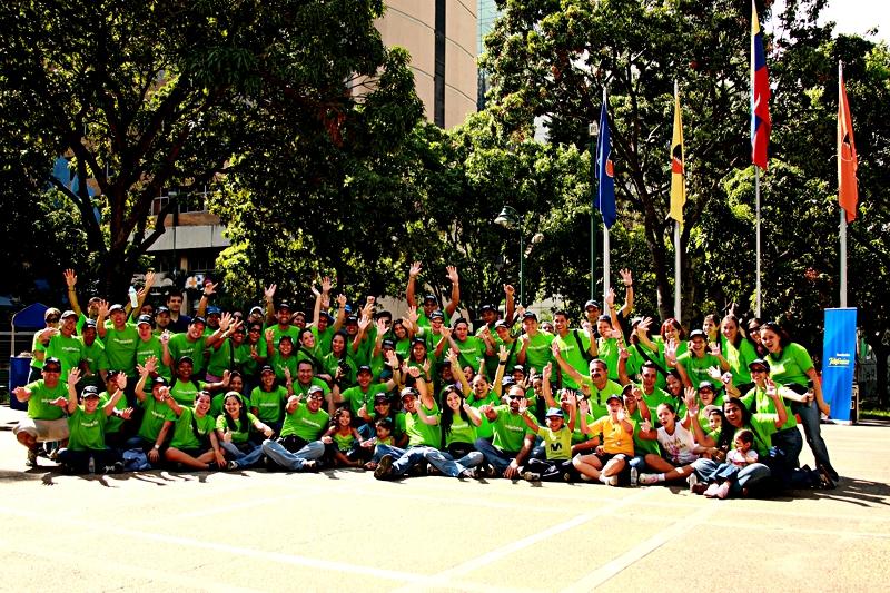 En Venezuela suman más de 2.300 los voluntarios Telefónica que colaboran con seis programas, a los cuales durante 2008 destinaron 20.016 horas, equivalentes a más de dos años de horas – hombre dedicadas a ayudar a quienes lo necesitan