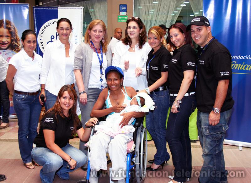 Más de 2.600 venezolanos han recibido una silla de ruedas gracias al programa