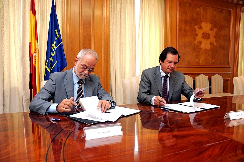Javier Nadal,  Vicepresidente Ejecutivo de Fundación Telefónica y Emilio Ybarra, presidente de CM Vocento.
