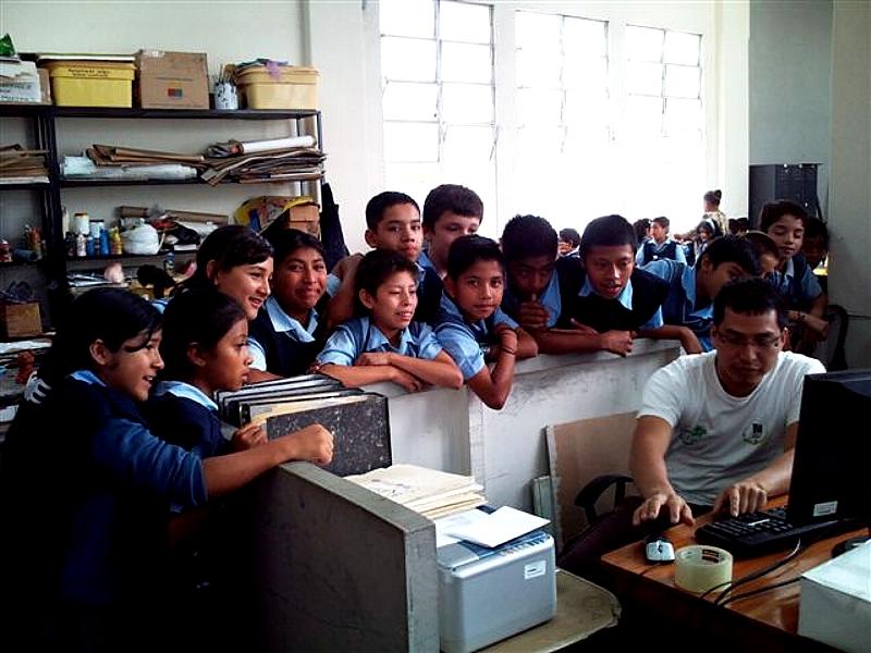 Con el objetivo de apoyar la mejora de la calidad educativa, Proniño organiza en Guatemala talleres de pintura para niños Proniño