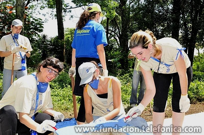 Este año, gracias a la acción de los voluntarios de las empresas del Grupo Telefónica en Brasil, la ONG ha podido triplicar su estructura de atención a los niños pobres de la región y a sus familiares.