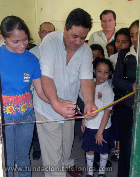 La metodología que aplica Aulas Fundación Telefónica se basa en mecanismos de enseñanza-aprendizaje que han sido probados con éxito durante más de 10 años en Europa y América Latina, con la experiencia y respaldo de Fundación Telefónica.