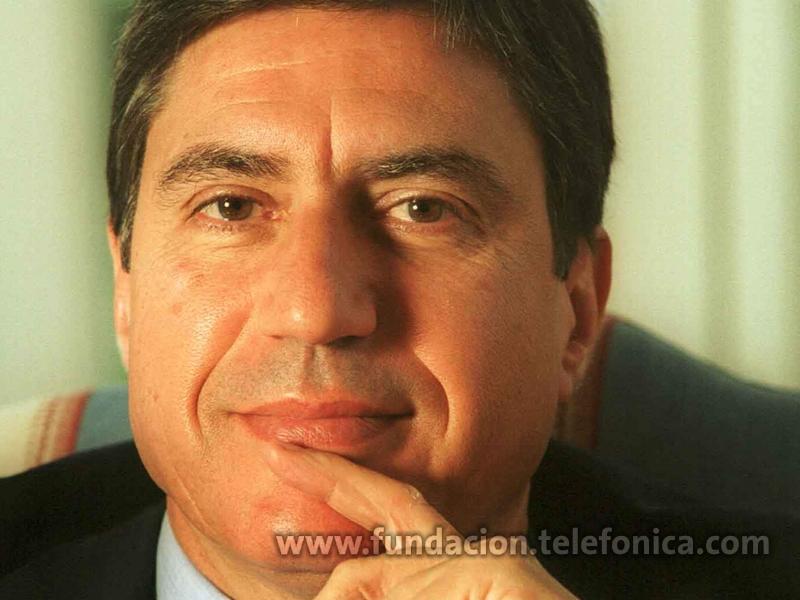 El profesor García Delgado, de la Universidad Complutense de Madrid, director del proyecto