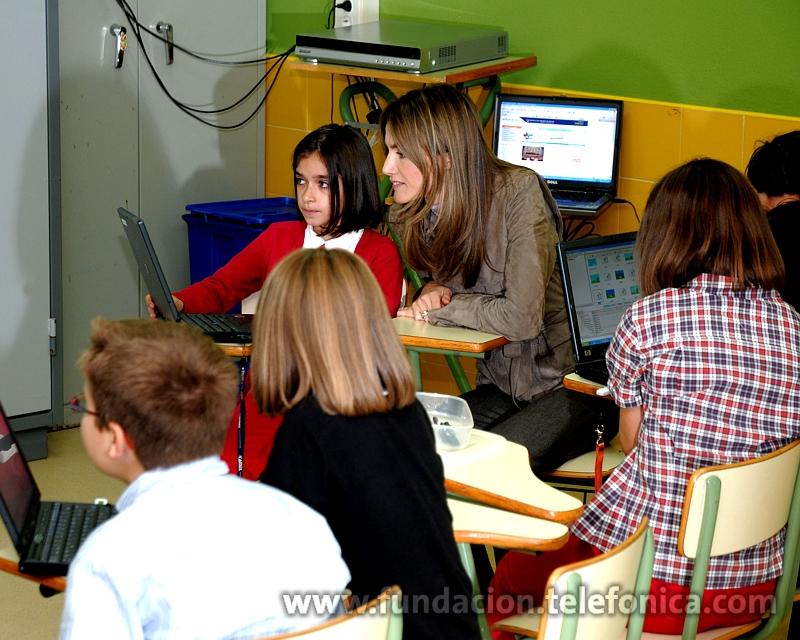 S.A.R la Princesa de Asturias visitó uno de los cuatro Centros Modelo EducaRed que existen en España, en concreto el situado en Candás (Asturias)