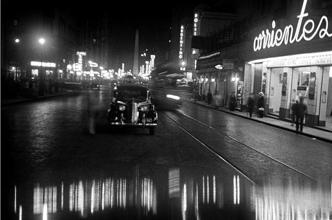 Calle corrientes, esquina Uruguay; 1936