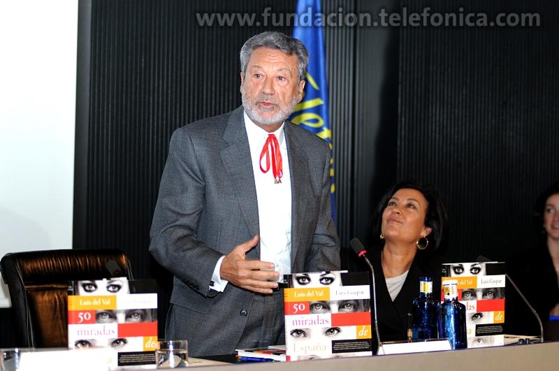 Luis del Val, autor del libro y Carmen Fernández, Directora Editorial de MR Ediciones