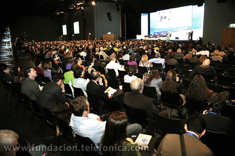 Entre los encuentros y mesas redondas que se van a llevar a cabo destaca un debate entre el creador de Tuenti y el Director Mundial de Marketing de Google, que será moderado por el periodista Manuel Campo Vidal