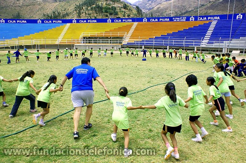 Participación especial de Fundación Telefónica en Comanda. En la imagen, actividades del programa Proniño en Perú.