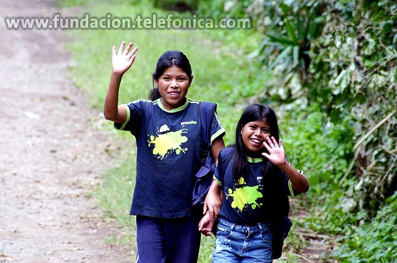 Fundación Telefónica amplía el proyecto que aúna el uso de internet en las escuelas con la lucha contra el trabajo infantil en Capinas y Hortolândia. En la imagen, niños del programa Proniño en El Salvador.