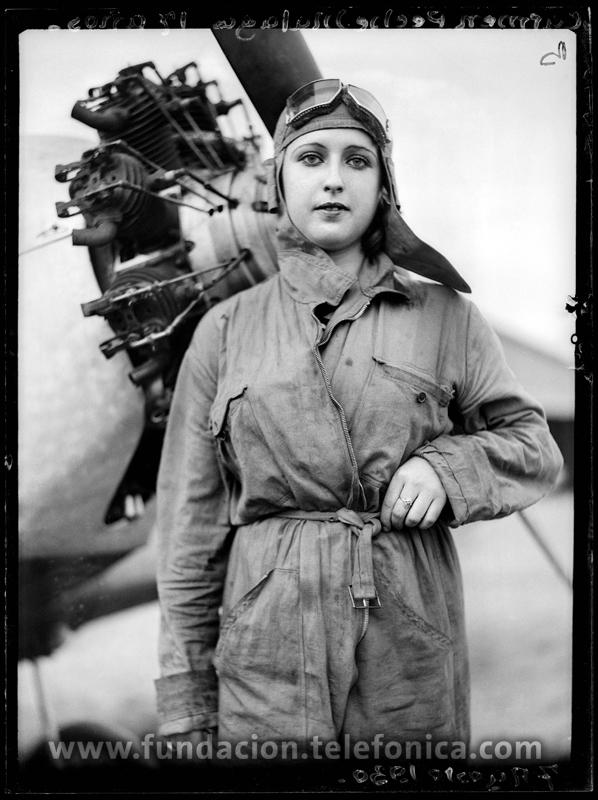 Carmen Peche, 1930. © Marín. VEGAP 2010.