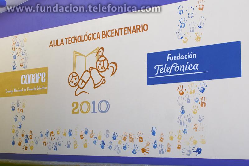 Mural de la inauguración del Aula Tecnológica Bicentenario.