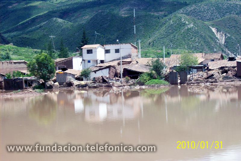 Vista general de los destrozos ocasionados por las lluvias en el sur de Perú.