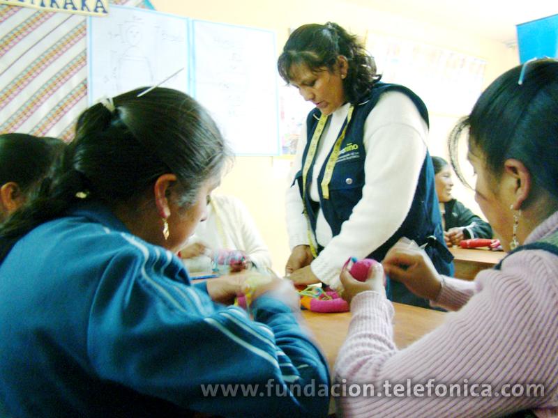 Las Madres tejedoras de Puno recibieron asesorías para mejorar y comercializar sus productos.