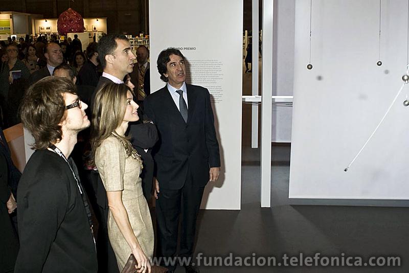 S.A.R los Príncipes de Asturias conocieron los trabajos ganadores del Certamen Internacional VIDA 12.0