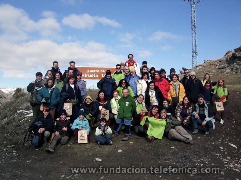 Casi 50 Voluntarios Telefónica participaron en el proyecto de reforestación, en el  puerto de La Hiruela, en la sierra norte de Madrid.