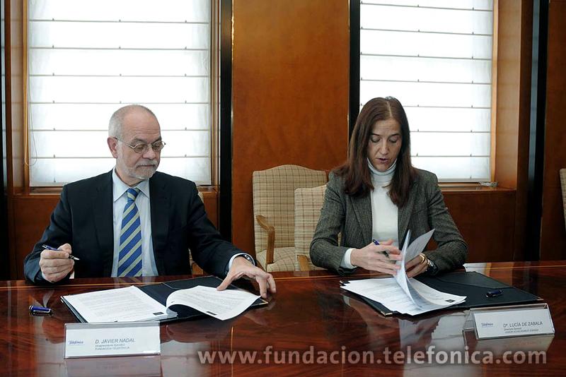 De izda a dcha:Javier Nadal, Vicepresidente Ejecutivo de Fundación Telefónica, y Lucía de Zavala Cendra, Directora General de Junior Achievement España.