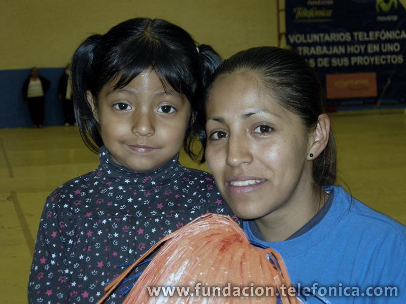Fundación Telefónica donó los uniformes para el equipo de Cachibol.