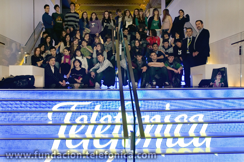 La campaña e-Skills es una iniciativa de la Comisión Europea desarrollada en España por AETIC que busca fomentar el interés de los jóvenes por las profesiones relacionadas con el sector TIC en la que participan 31 ministerios de Educación europeos y de todo el mundo