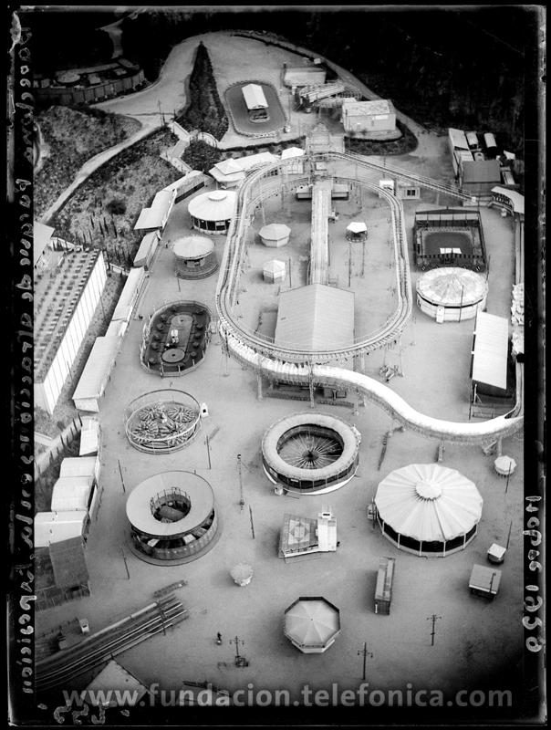 Vista aérea del Parque de Atracciones. Barcelona, 1929. © Marín. VEGAP 2010.