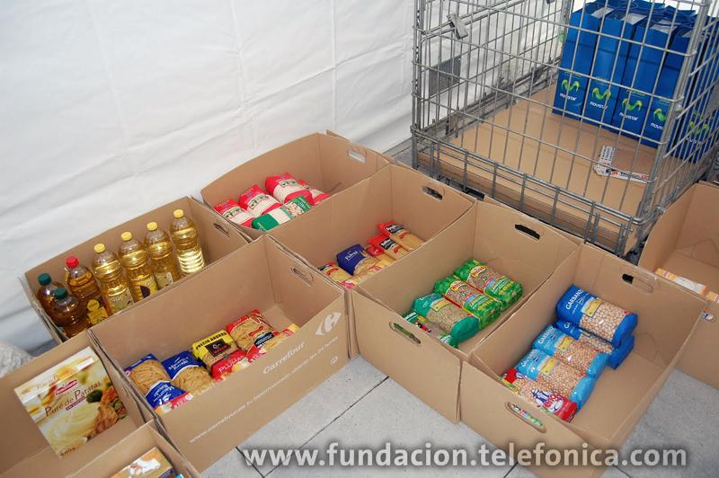 Más de 250 Voluntarios en España recogen más de 15 toneladas de alimentos entre sus compañeros de trabajo, destinadas a los sectores más desfavorecidos de la sociedad.