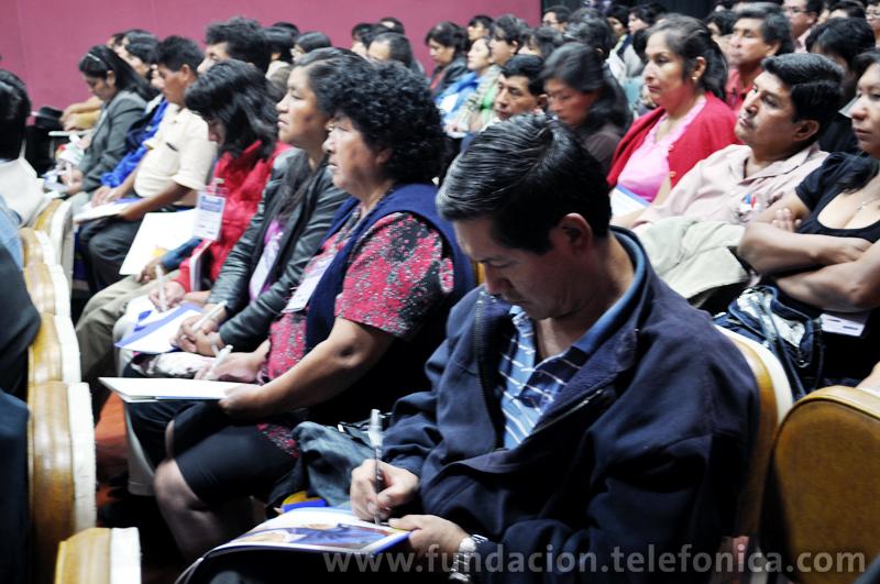 """Docentes Ayacuchanos durante la IV Semana EducaRed """"Las TIC como herramientas para el aprendizaje""""."""