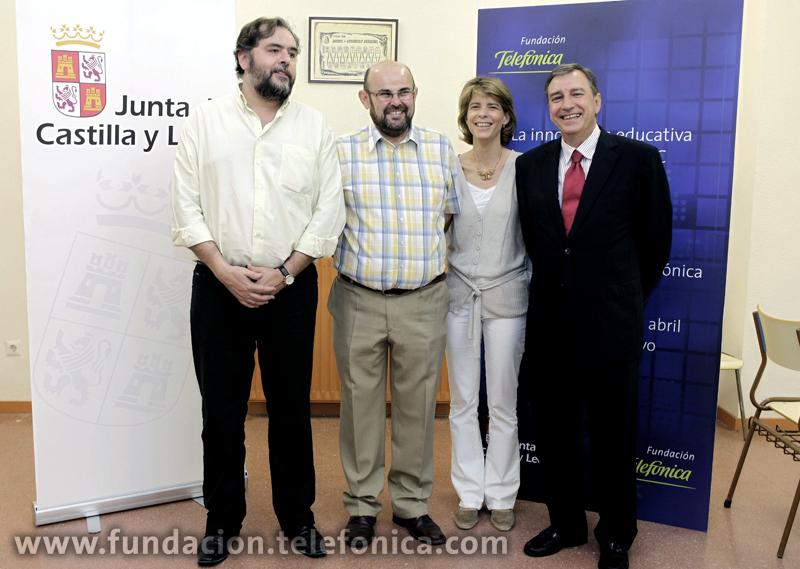 De izquierda a derecha, Juan Ramón Puerta y Pedro Andreu, miembros del Consejo Ejecutivo de EducaRed; Marián Juste, Directora de Programas Educativos de Fundación Telefónica y Juan José Mateos, Consejero de Educación de Castilla y León.