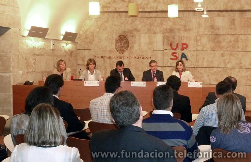 Marián Juste, directora de Programas Educativos de Fundación Telefónica, (segunda por la izquierda) junto a representantes de las diferentes instituciones implicadas en el proyecto.