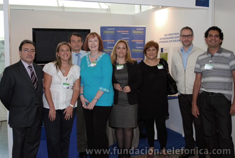Voluntarios Telefónica con miembros del GCVC (Global Corporate Volunteer Council).