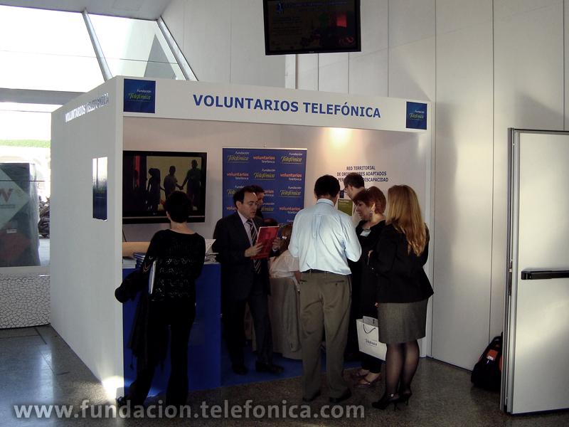 Stand de Voluntarios Telefónica en el Congreso Europeo de Voluntariado en Valencia.