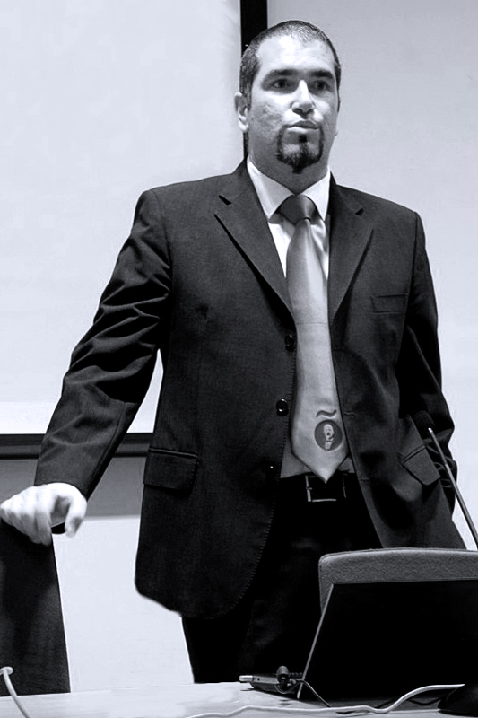 """Fernando Muñoz Auditor SEO, trabaja como Consultor de Posicionamiento en Internet para empresas de toda España y dirige el Consulting de Internet """"Señor Muñoz""""."""