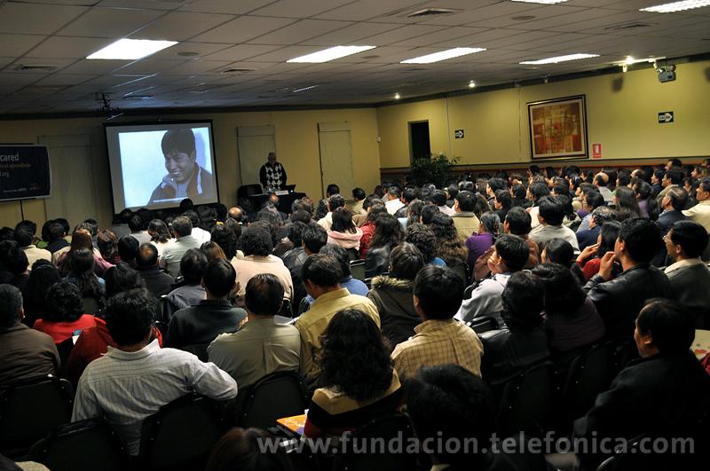 """Todo un éxito. Más de 300 docentes de Cajamarca, Chota, San Pablo, San Ignacio y Santa Cruz se capacitaron en la """"Semana Educared"""", taller educativo gratuito que abordó el tema """"Las Tecnologías de la Información y Comunicación como herramientas para el aprendizaje""""."""