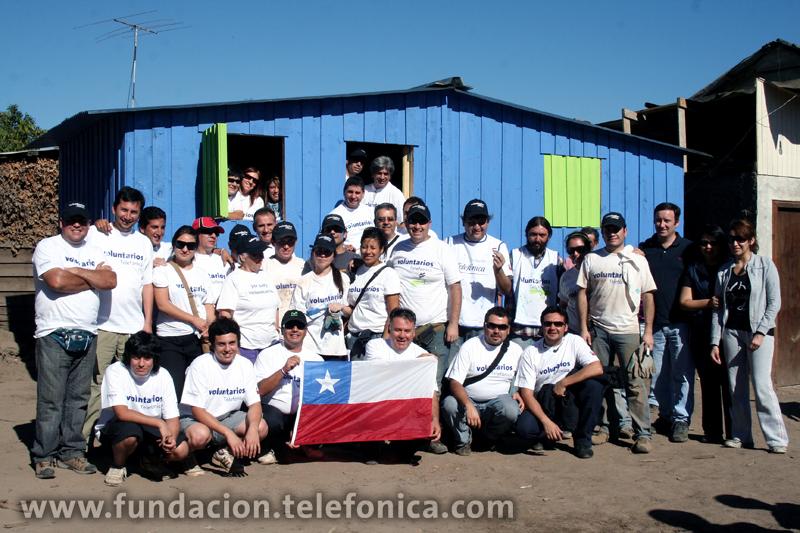 Más de 800 Voluntarios de Chile están participando desde el principio en la construcción de viviendas en las zonas afectadas por el terremoto y el tsunami que el pasado mes de febrero asoló el país.